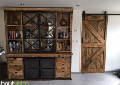 Houtvision-sloophout-industriele-meubelen-op-maat-buffetkast-oud-gebruikt-hout-mangohout-teak-schuifdeur-boerderij-landelijk