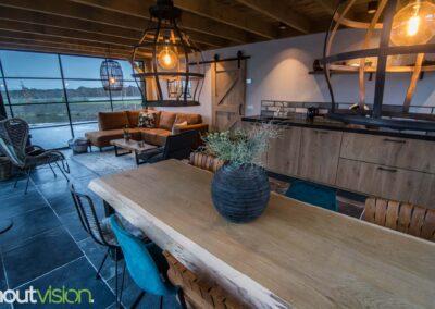 Houtvision-maatwerk-sloophout-industriële-meubelen-op-maat-gebruikt-hout-staal-eettafel-boomstam-blad-stalen-poten-boerderij-tuinhuis-landelijk (2)