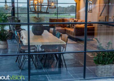 Houtvision-maatwerk-sloophout-industriële-meubelen-op-maat-gebruikt-hout-staal-eettafel-boomstam-blad-stalen-poten-boerderij-tuinhuis-landelijk (6)