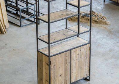 Houtvision-maatwerk-sloophout-industriële-meubelen-op-maat-gebruikt-hout-staal-kast-jeff-steigerhout-vakken-licht-scandinavisch (2)