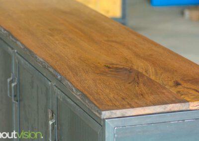 Houtvision-maatwerk-sloophout-hout-staal-meubelen-industrieel-stalen-deuren-kast-dressoir-hardhout-meerpalen-luxe-handgreepjes-blauwstaal-3