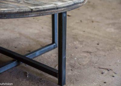 Houtvision-salontafel-rond-industrieel-oud-hout-4