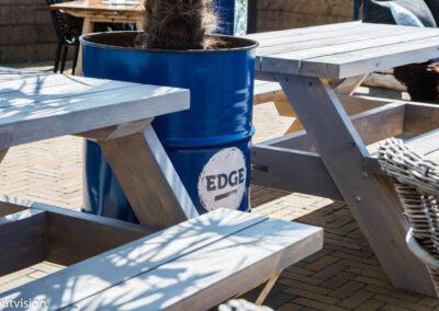 Houtvision-sloophout-Edge-woerden-restaurant-picknick-tafels-2