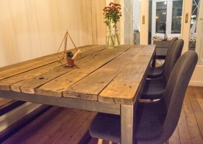 Houtvision-sloophout-indsutrie-hout-tafel-staal-3
