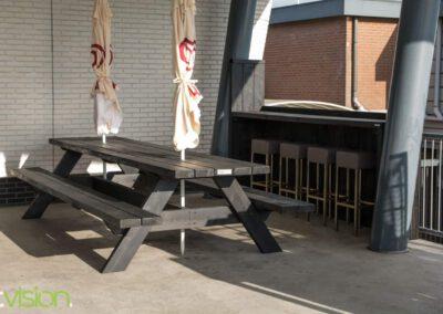 Houtvision-sloophout-maatwerk-bedrijven-meubelen-hout-baddinghout-balkenhout-picknicktafel-bar-zwart-buiten-shell-rotterdam-bb-1