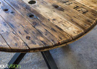 Houtvision-sloophout-maatwerk-industriële-meubelen-hout-staal-eettafel-op-maat-oud-gebruikt-kabelhaspel-rond-matrix-tafelpoten-8
