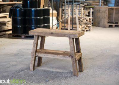 Houtvision-sloophout-maatwerk-industriële-meubelen-hout-staal-frans-bankje-badkamermeubel-sidetable-oude-gebruikt-kaaspakhuis-balken-2