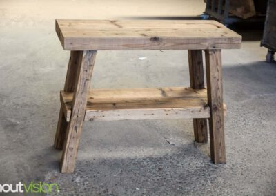 Houtvision-sloophout-maatwerk-industriële-meubelen-hout-staal-frans-bankje-badkamermeubel-sidetable-oude-gebruikt-kaaspakhuis-balken-5