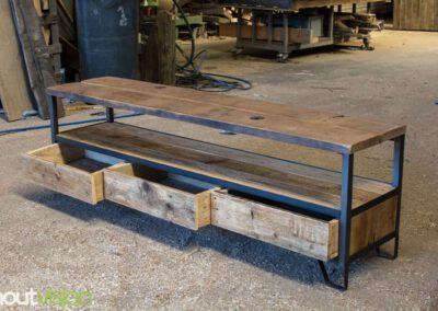 Houtvision-sloophout-maatwerk-industriële-meubelen-hout-staal-tv-meubel-op-maat-oud-gebruikt-steigerhout-frans-eiken-eikenhout-laden-16