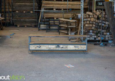 Houtvision-sloophout-maatwerk-industriële-meubelen-hout-staal-tv-meubel-op-maat-oud-gebruikt-steigerhout-frans-eiken-eikenhout-laden-19