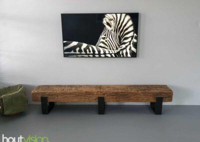 Houtvision-sloophout-maatwerk-industriële-meubelen-op-maat-gebruikt-oud-hout-staal-boomstam-balk-massief-eiken-nerven-hardhout-tv-meubel-2