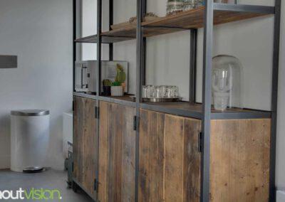 Houtvision-sloophout-maatwerk-kast-hoekprofiel-kaasplanken-oud-hout-wandkast-4