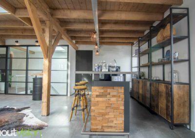 Houtvision-sloophout-maatwerk-kast-hoekprofiel-kaasplanken-oud-hout-wandkast-8