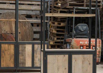 Houtvision-sloophout-maatwerk-kast-industrieel-hoekprofiel-wand-3