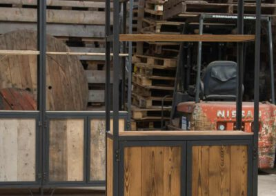 Houtvision-sloophout-maatwerk-kast-industrieel-hoekprofiel-wand-4