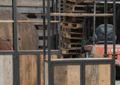 Houtvision-sloophout-maatwerk-kast-industrieel-hoekprofiel-wand-5