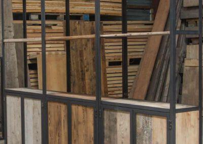 Houtvision-sloophout-maatwerk-kast-industrieel-hoekprofiel-wand-9
