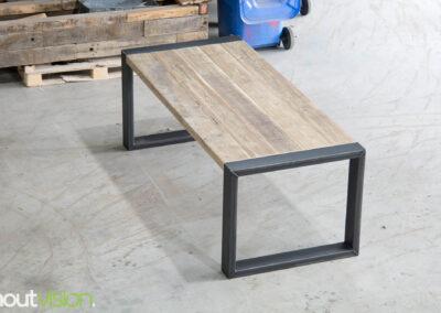 Houtvision-sloophout-maatwerk-meubelen-op-maat-industrieel-eettafel-hout-stalen-onderstel-steigerhout-o-frame-staal-hout