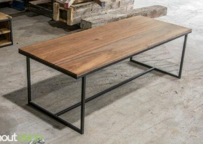 Houtvision-sloophout-maatwerk-meubelen-op-maat-industrieel-eettafel-salontafel-hout-stalen-onderstel-meerpalen-hardhout-luxe-basralocus-2