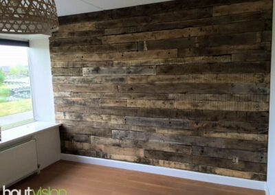Houtvision-sloophout-maatwerk-muur-industrie-hout