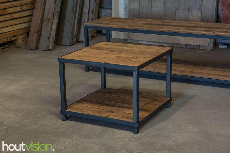 Vierkante salontafel met PLATO hout