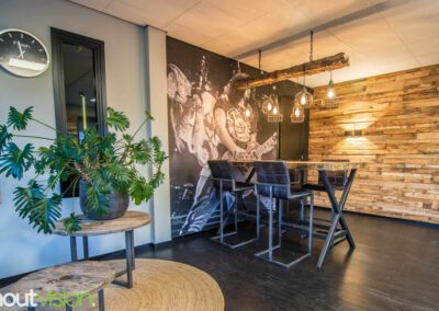Houtvision-sloophout-maatwerk-winkel-kantoor-pallethout-bartafel-balken-indsutrieel-staal-5x5-1