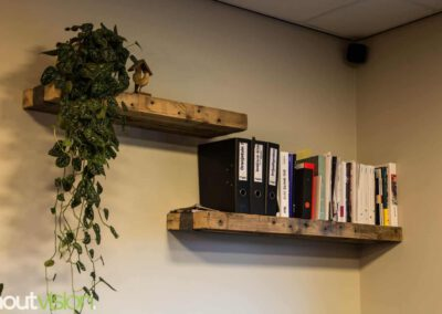 Houtvision-sloophout-maatwerk-winkel-kantoor-pallethout-bartafel-balken-indsutrieel-staal-5x5-5