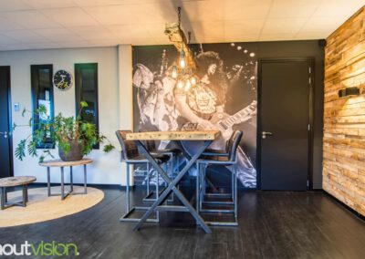 Houtvision-sloophout-maatwerk-winkel-kantoor-pallethout-bartafel-balken-indsutrieel-staal-5x5-9