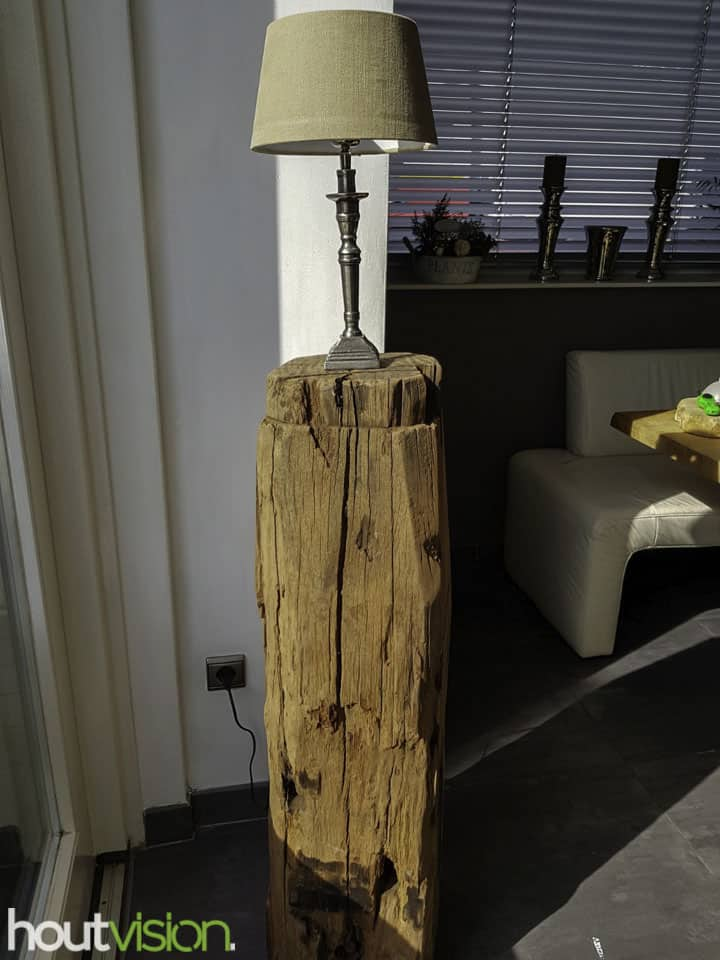 Meerpalen hout zuil sokkel pilaar lamp