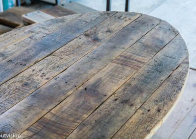 Houtvision-sloophout-ovale-tafel-ovaal-industrie