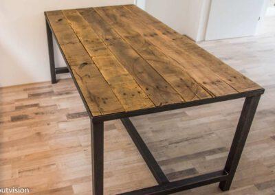 Houtvision-sloophout-tafel-industrieel-3