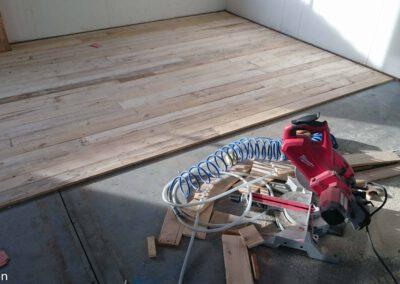 Sloophout-houtvision-showroom-werkplaats-vloer-grenen