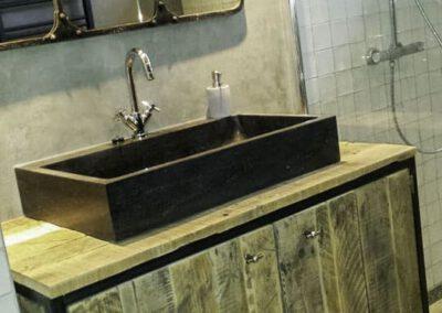 houtvision-badkamermeubel-staal-badkamer-industrieel-1