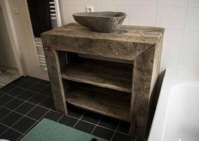 houtvision-industrie-meubelen-sloophout-wastafel-1