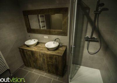 houtvision-sloophout-badkamermeubel-kast-badkamer-zevenhuizen-spiegel-hout-industrie-hout-gebruikt-hout-5