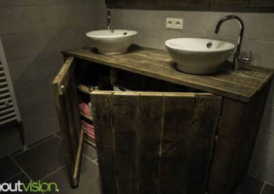 houtvision-sloophout-badkamermeubel-kast-badkamer-zevenhuizen-spiegel-hout-industrie-hout-gebruikt-hout-7