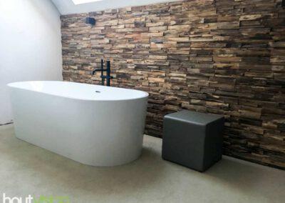 houtvision-sloophout-houtstrips-sumatra-wandbekleding-wandpaneel-steenstrips-badkamer-natte-ruimtes-buiten-3