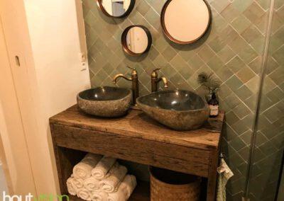 houtvision-sloophout-maatwerk-badkamermeubel-waskom-industrieel-eiken-planken-oud-gebruikt-dubbele-wasbak-eikenhout