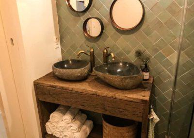 houtvision-sloophout-maatwerk-badkamermeubel-waskom-industrieel-eiken-planken-oud-gebruikt-dubbele-wasbak-eikenhout-pa