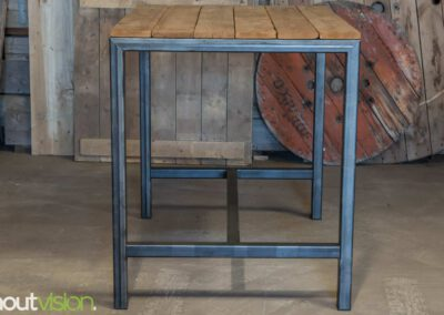 houtvision-sloophout-maatwerk-bartafel-5x5-staal-industrieel-plato