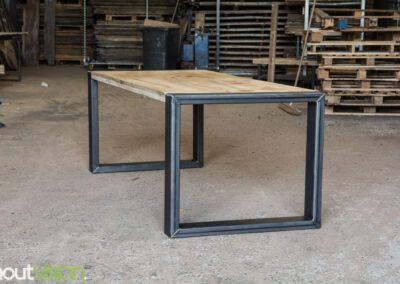 houtvision-sloophout-maatwerk-eettafel-scandinavisch-staal-stalen-frame-onderstel-5x12-chinees-hardhout-2