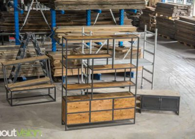 houtvision-sloophout-maatwerk-hout-staal-oude-kaasplanken-specialisme-op-maat-meubelen-industriele-vakken-kast-jeff-2