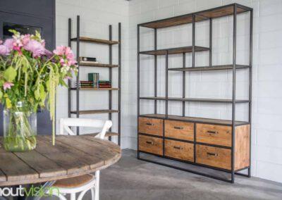 houtvision-sloophout-maatwerk-hout-staal-oude-kaasplanken-specialisme-op-maat-meubelen-industriele-vakken-kast-jeff