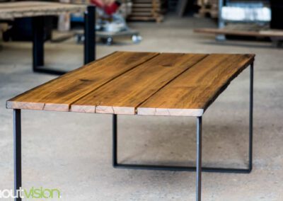 houtvision-sloophout-maatwerk-industrieel-tafels-eettafel-gebruikt-hout-meerpalen-hout-hardhout-groenhart-stalen-staal-tafelpoot-tafelonderstel-u-frame-19
