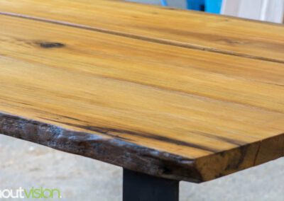houtvision-sloophout-maatwerk-industrieel-tafels-eettafel-gebruikt-hout-meerpalen-hout-hardhout-groenhart-stalen-staal-tafelpoot-tafelonderstel-u-frame