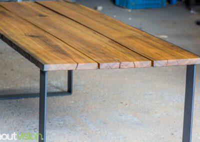 houtvision-sloophout-maatwerk-industrieel-tafels-eettafel-gebruikt-hout-meerpalen-hout-hardhout-groenhart-stalen-staal-tafelpoot-tafelonderstel-u-frame-21