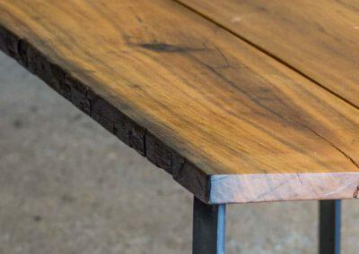 houtvision-sloophout-maatwerk-industrieel-tafels-eettafel-gebruikt-hout-meerpalen-hout-hardhout-groenhart-stalen-staal-tafelpoot-tafelonderstel-u-frame-22