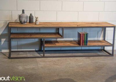 houtvision-sloophout-maatwerk-industriele-meubelen-hout-staal-tv-meubel-stalen-frame-vakken-pallethout-mangohout-look-a-like-3