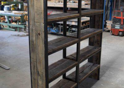 houtvision-sloophout-maatwerk-kast-industrieel-wagonplanken-boekenkast-dichte-zijwanden-staal-robuust-10