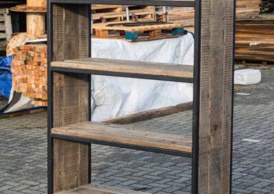 houtvision-sloophout-maatwerk-kast-industrieel-wagonplanken-boekenkast-dichte-zijwanden-staal-robuust-2